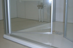 2 cm Schwelle mit 2 seitiger Schwenkglastür